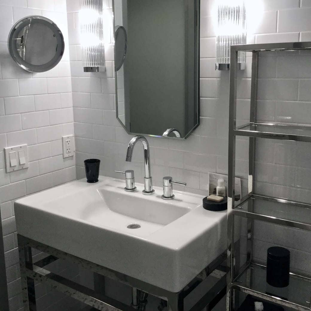 Image of Como bathroom