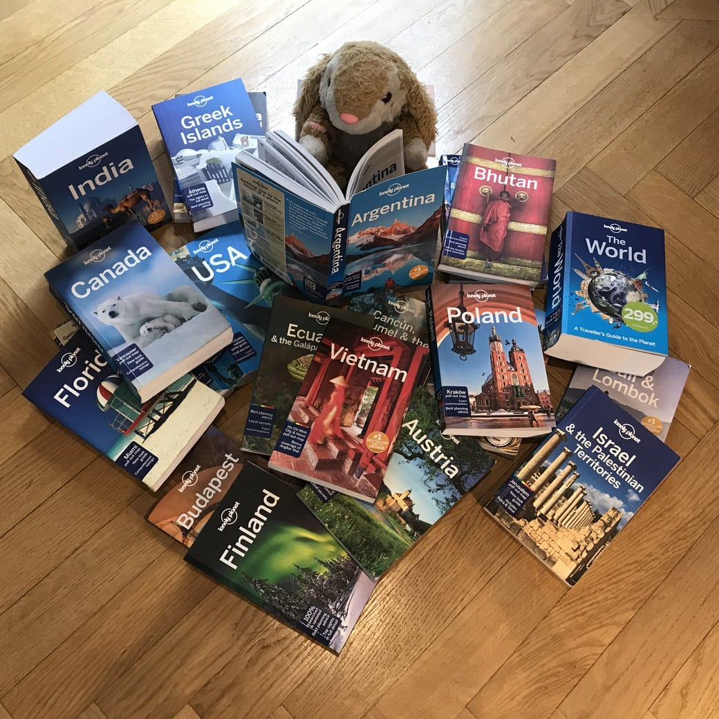 Image of Lonely Planet guides