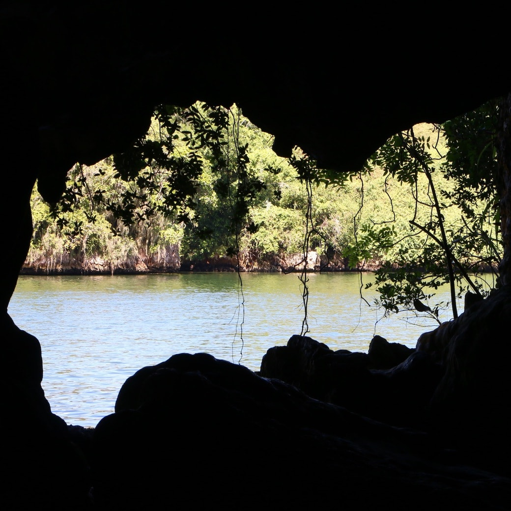 Image of cave in Los Haitises
