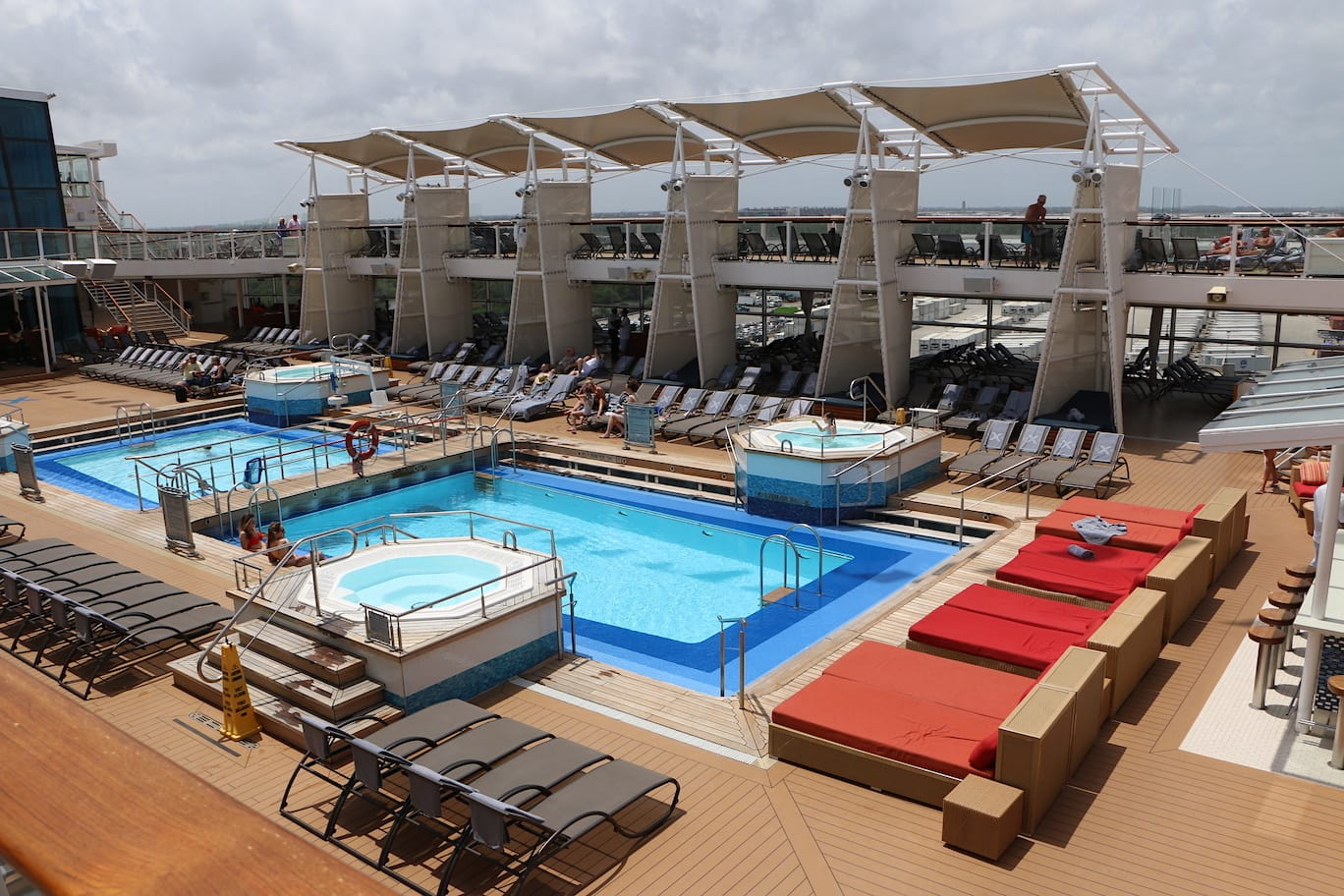 Nice and quiet at the pool deck