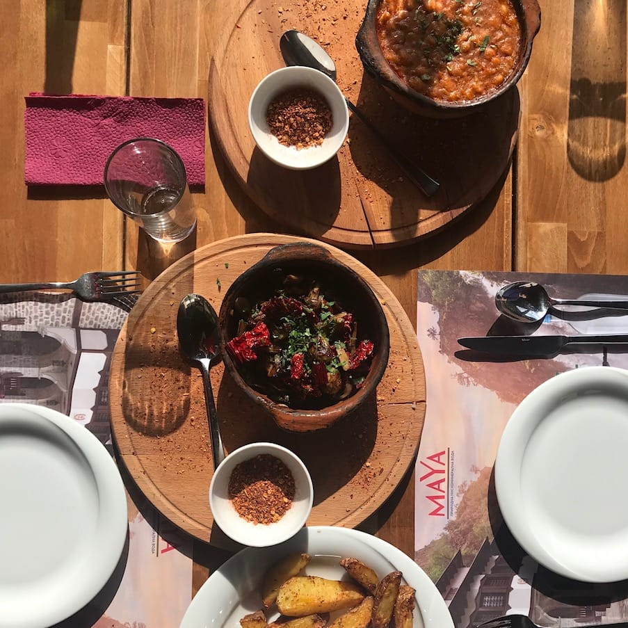 Vegetarian food at House of the Mijaks