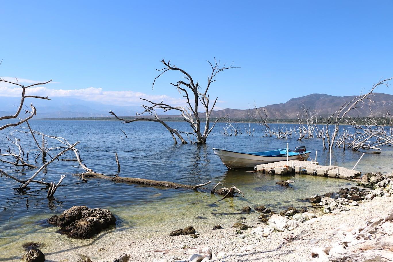 Scenery at Lake Enriquillo