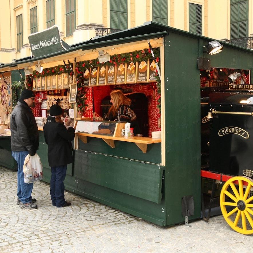 Christmas Market & New Year's Market at Schönbrunn