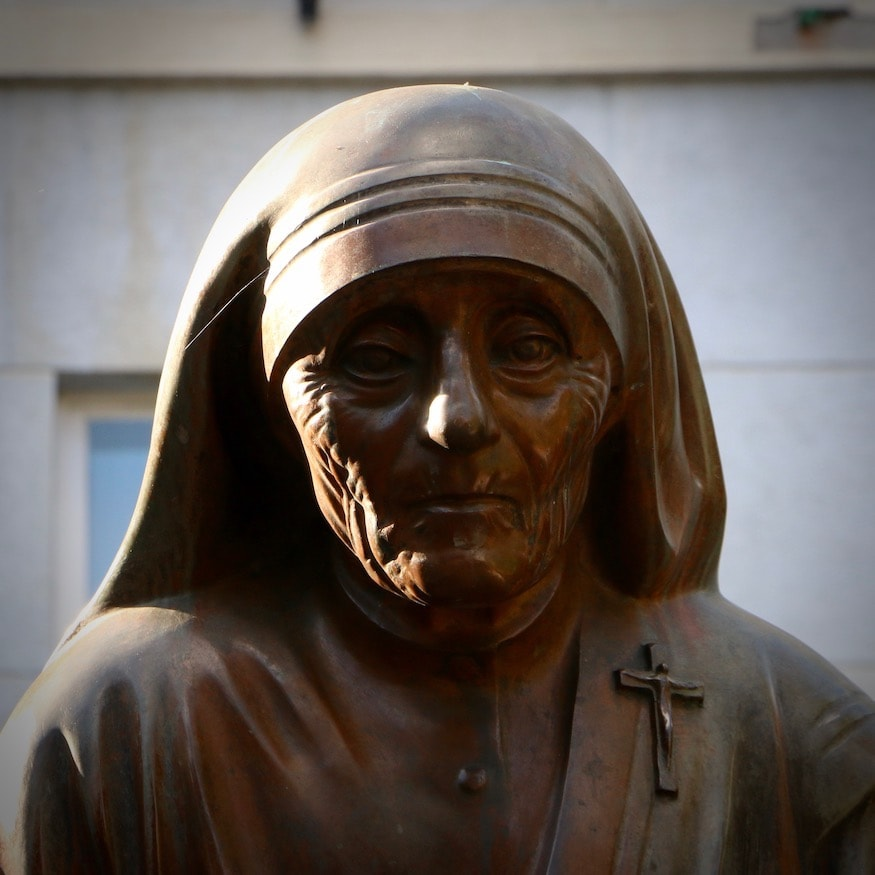 Statue on Mother Theresa Boulevard