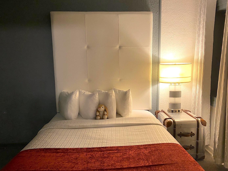 Bunny's room at Avalon hotel